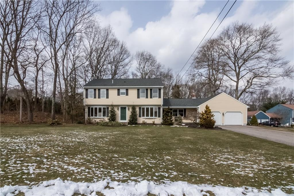Single Family Home for Sale at 14 Hawthorne Ct, North Kingstown, RI North Kingstown, Rhode Island 02852 United States