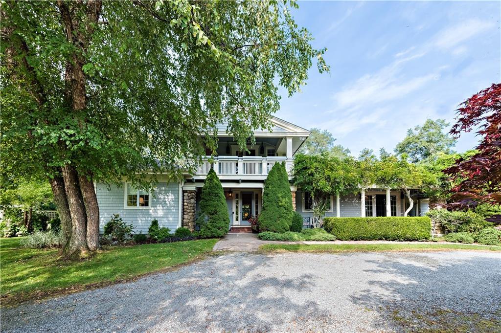 Single Family Homes per Vendita alle ore 11 West Ridge Road, Westerly, RI Westerly, Rhode Island 02891 Stati Uniti