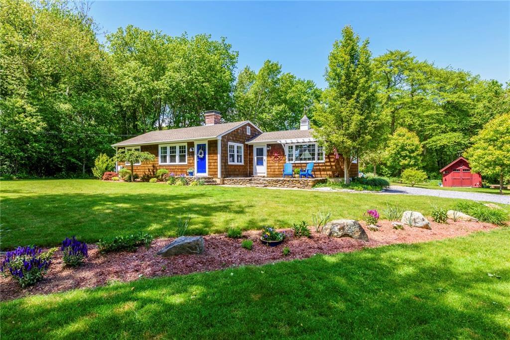 single family homes voor Verkoop op 25 Lynn Rd, Charlestown, RI Charlestown, Rhode Island 02813 Verenigde Staten