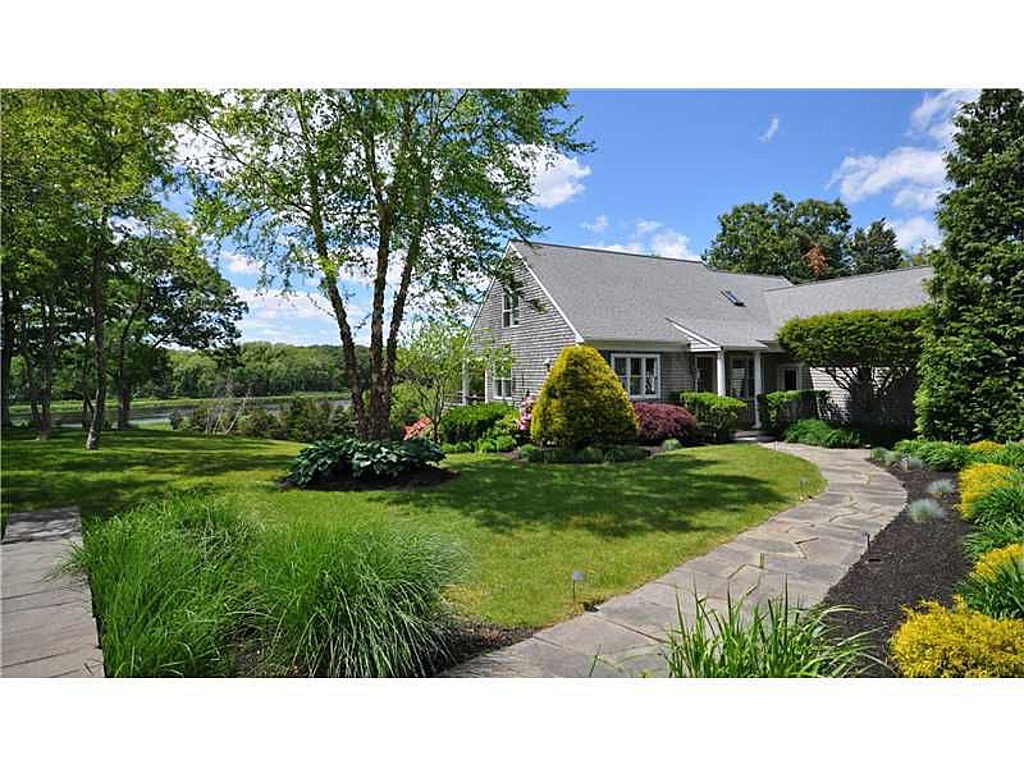 Single Family Home for Sale at 68 Ronald Dr, Swansea, MA Swansea, Massachusetts 02777 United States