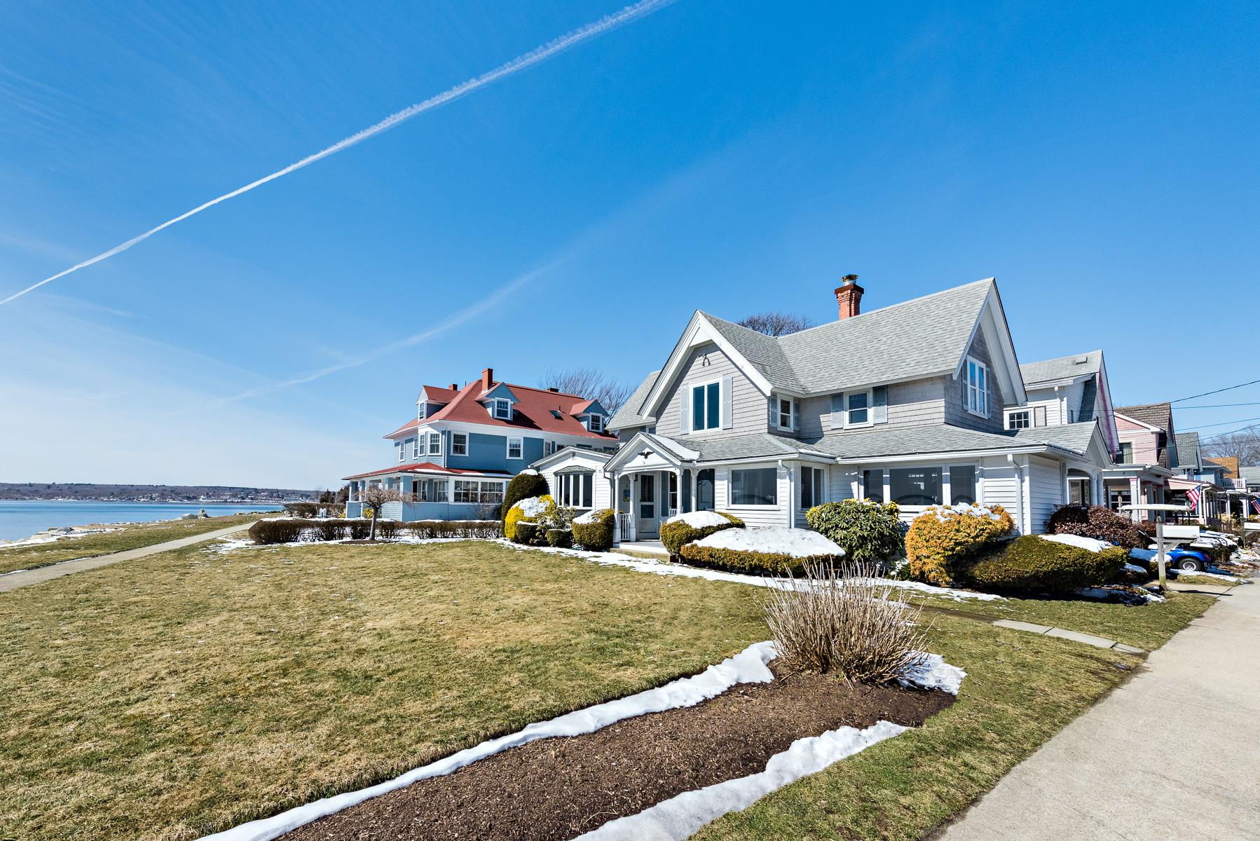 独户住宅 为 销售 在 53 Tenth Av, Warwick, RI 沃里克, 罗得岛 02886 美国