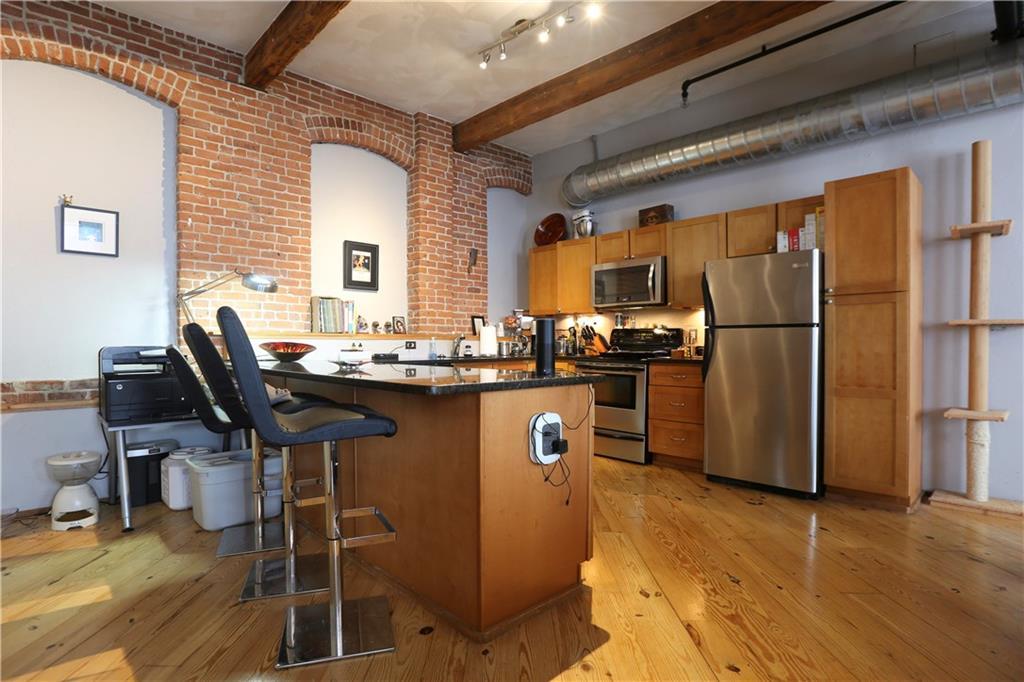 公寓 为 出租 在 409 Pine St, #302, Providence, RI 409 Pine St 302 普罗维登斯, 02903 美国