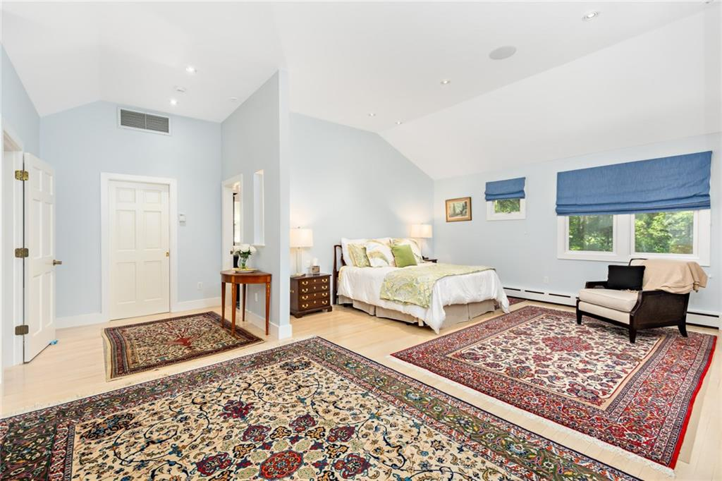 Additional photo for property listing at 174 Walmsley Lane, South Kingstown, RI 174 Walmsley Lane South Kingstown, Rhode Island 02874 United States