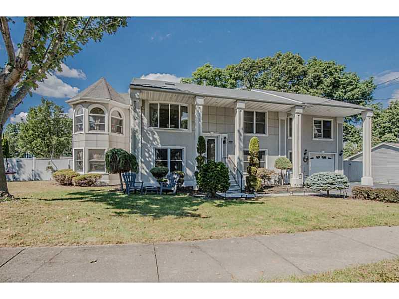 Einfamilienhaus für Verkauf beim 235 Posnegansett Av, Warwick, RI Warwick, Rhode Island, 02888 Vereinigte Staaten