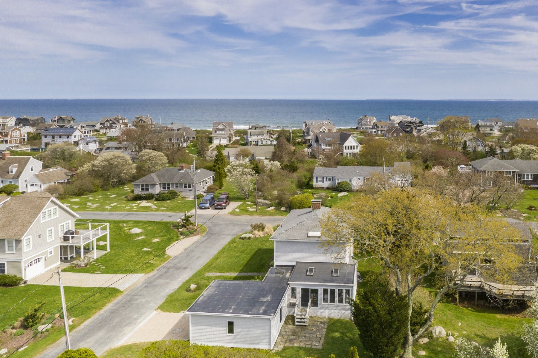 Single Family Homes per Vendita alle ore 42 Neptune Av., Charlestown, RI Charlestown, Rhode Island 02813 Stati Uniti