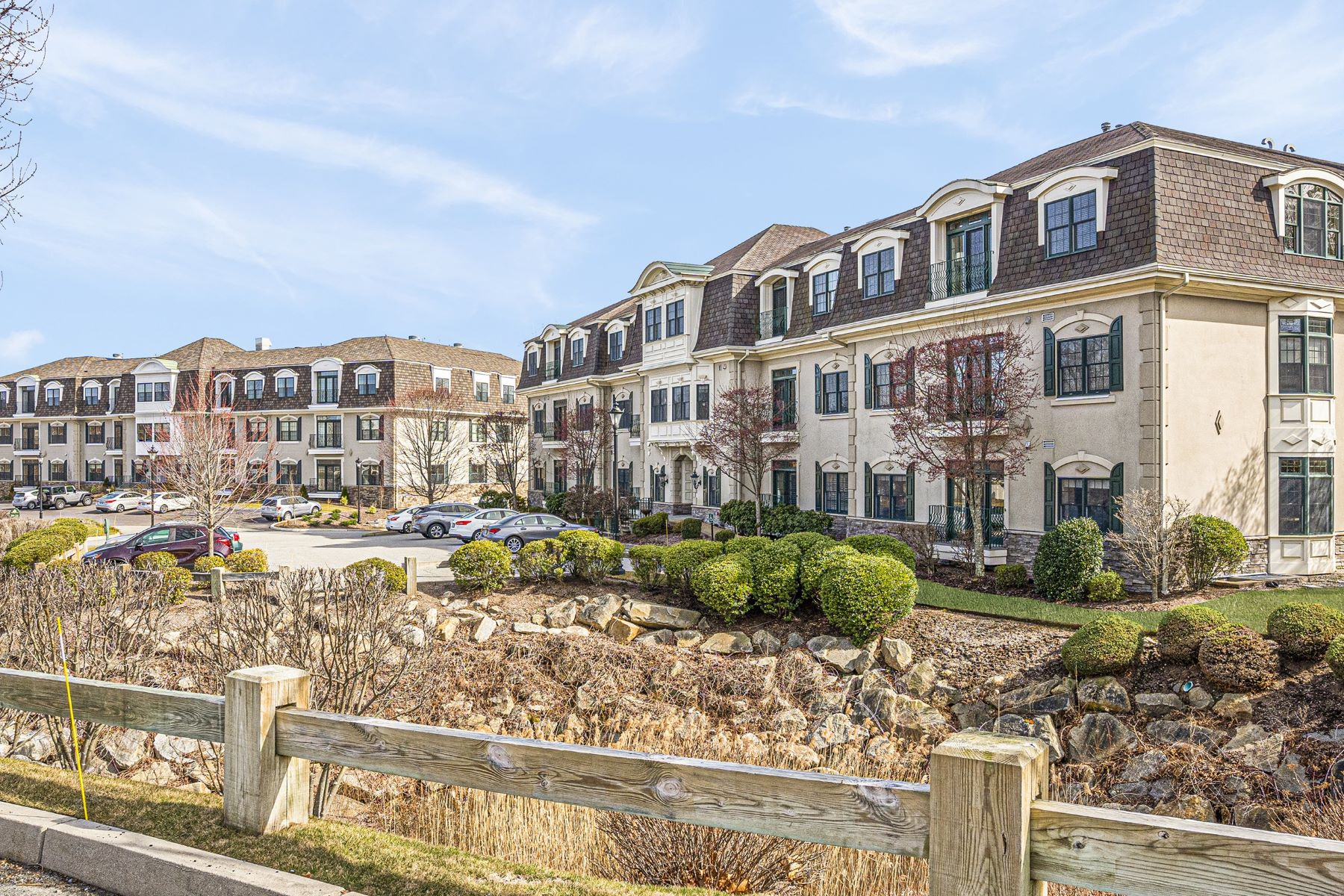 Condominiums for Sale at 1404 South County Trail, #216, East Greenwich, RI 1404 South County Trail, 216 East Greenwich, Rhode Island 02818 United States