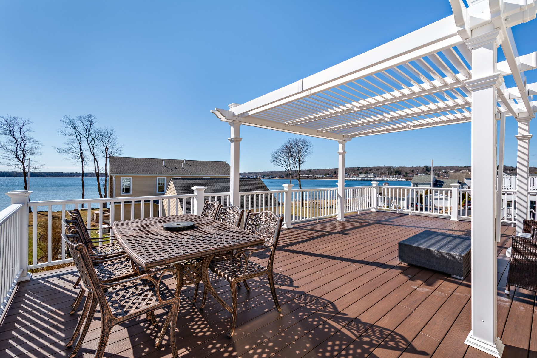 Single Family Homes for Sale at 8 Melbourn Road, Warwick, RI 8 Melbourn Road Warwick, Rhode Island 02886 United States