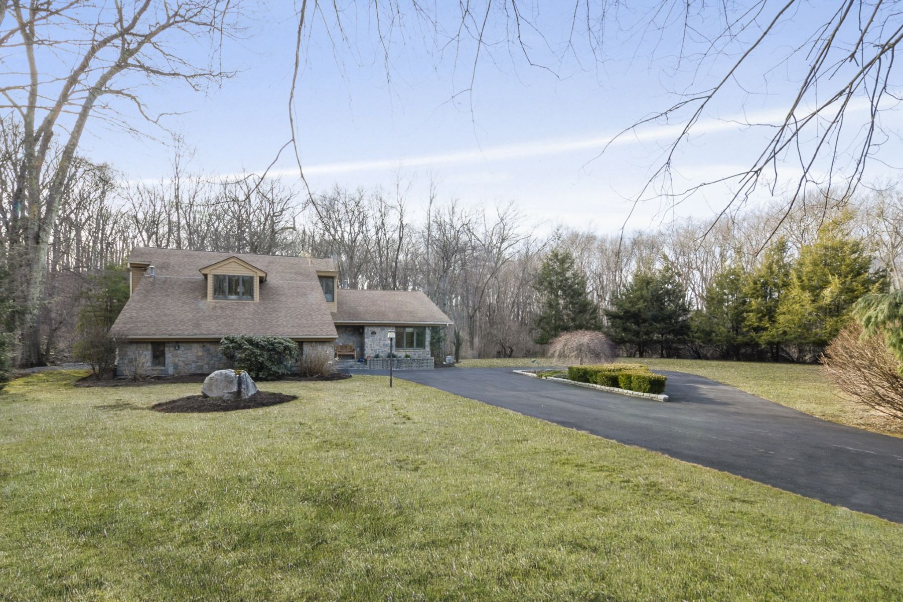 single family homes for Sale at 245 Country View Dr, Warwick, RI Warwick, Rhode Island 02886 United States