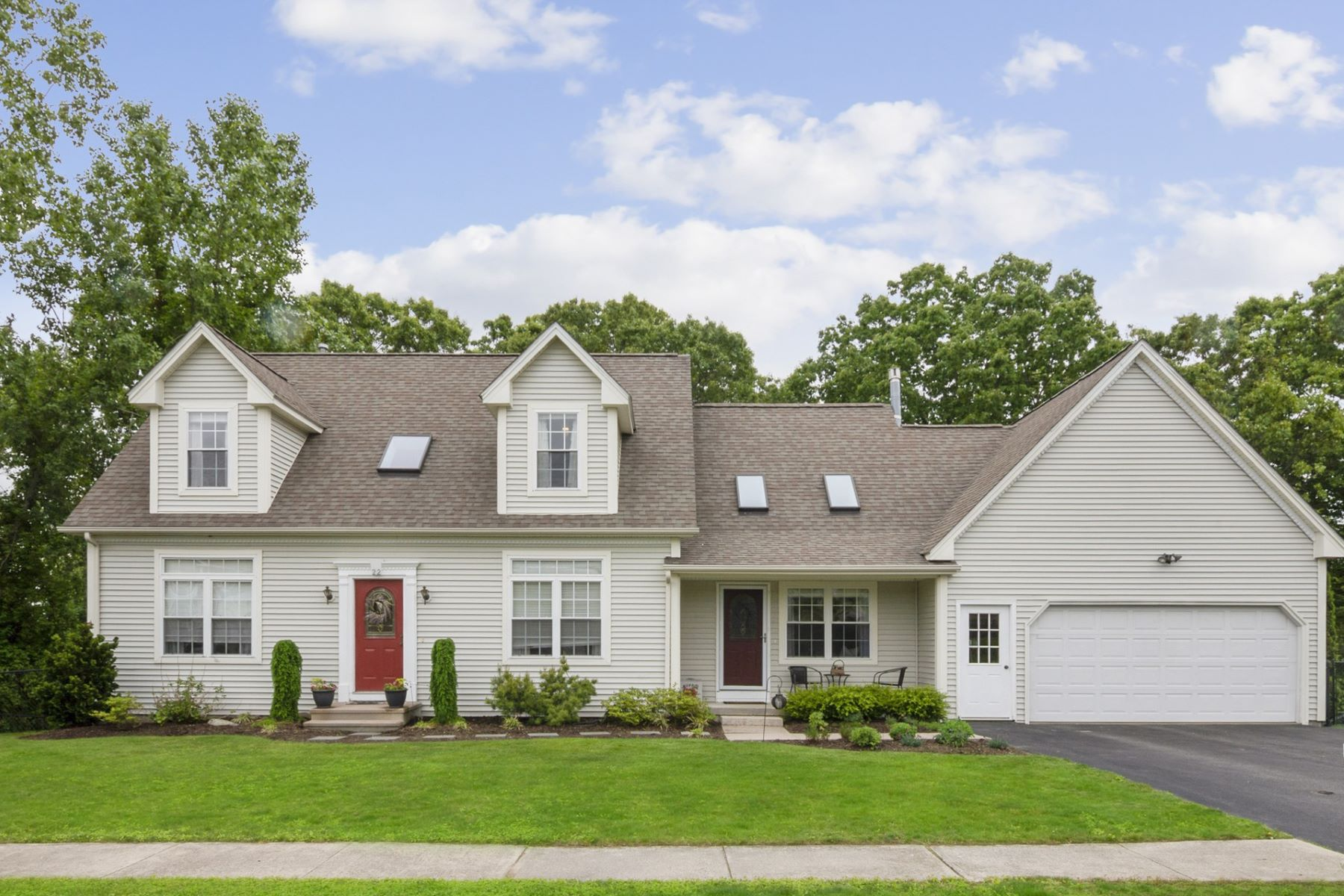 single family homes for Sale at 22 Linda St, Lincoln, RI Lincoln, Rhode Island 02865 United States