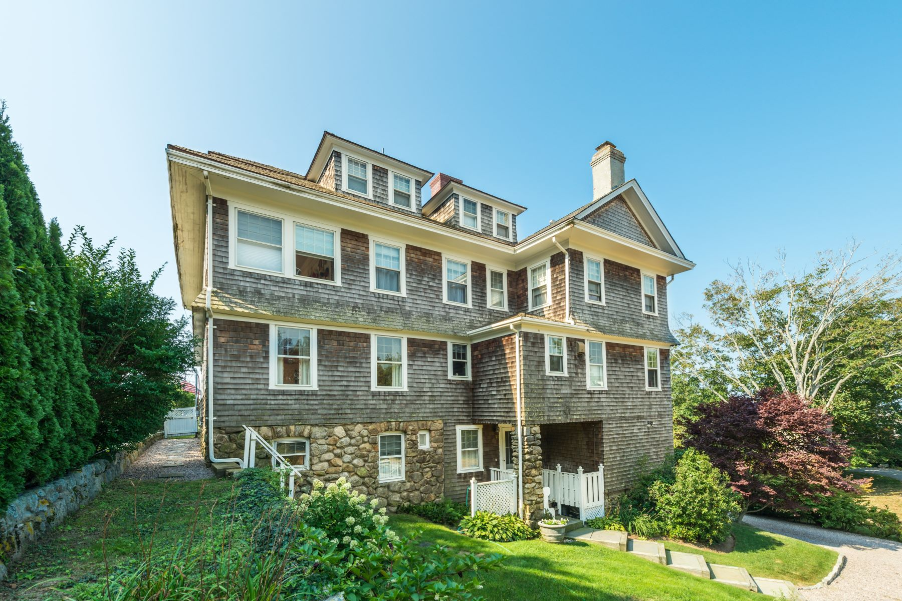 Additional photo for property listing at 20 Plimpton Rd, Westerly, RI 20 Plimpton Rd Westerly, Rhode Island 02891 United States
