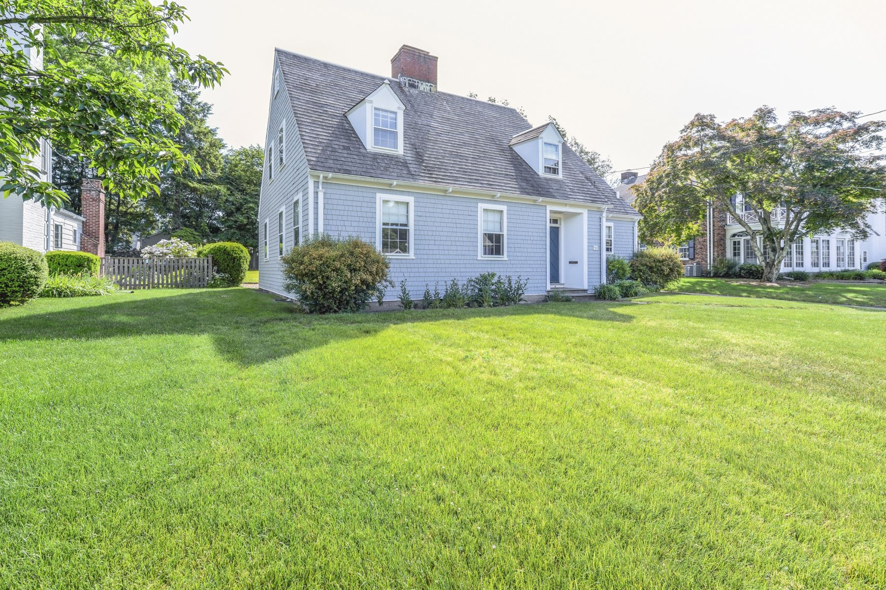 Single Family Homes for Sale at 50 Drowne Parkway, East Providence, RI East Providence, Rhode Island 02916 United States