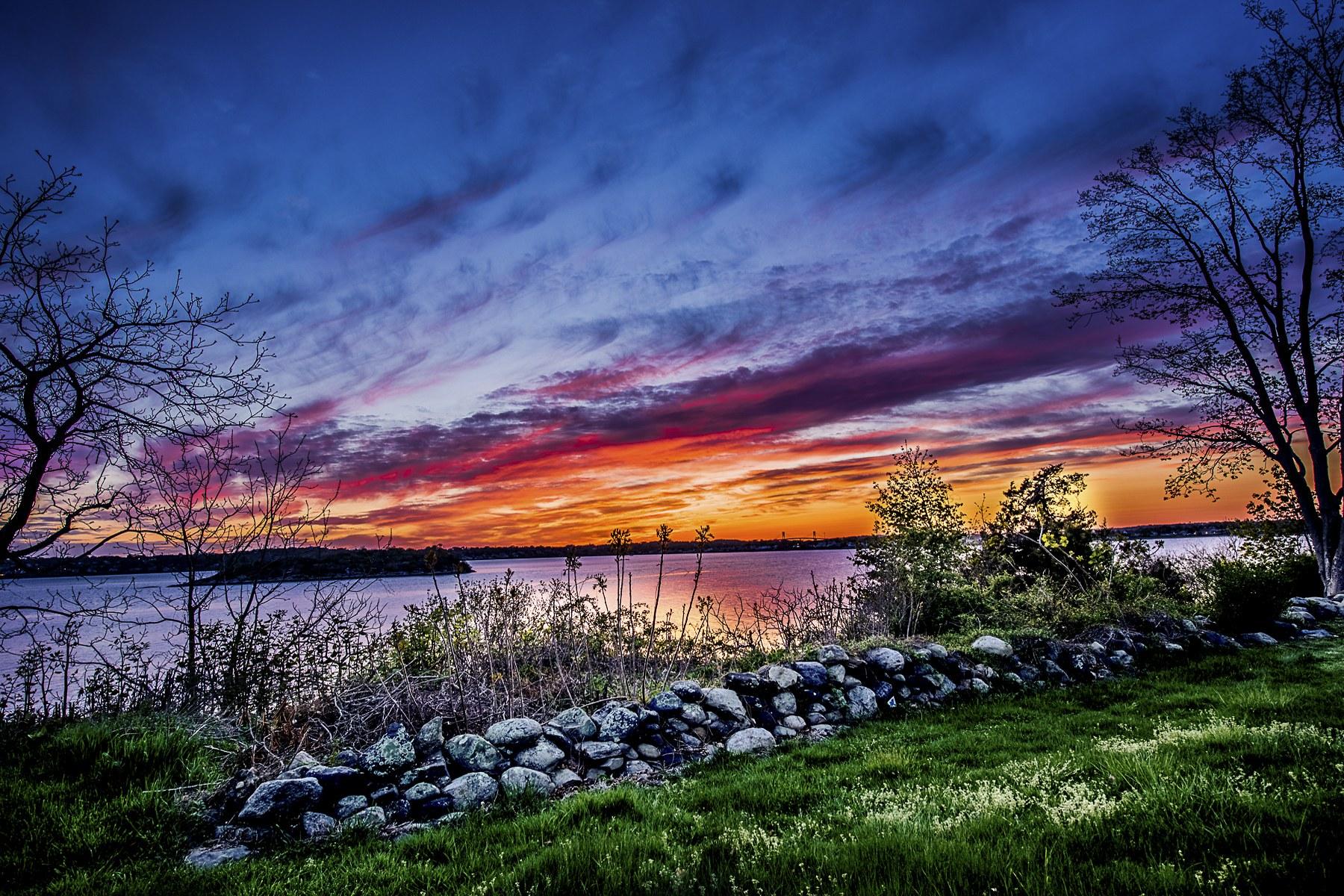 Additional photo for property listing at 115 Nanaquaket Rd, Tiverton, RI  Tiverton, Rhode Island 02878 Estados Unidos