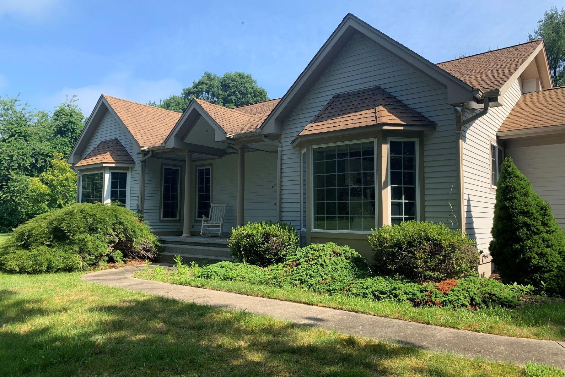 Single Family Homes per Vendita alle ore 41 Kinney Av., Narragansett, RI Narragansett, Rhode Island 02882 Stati Uniti