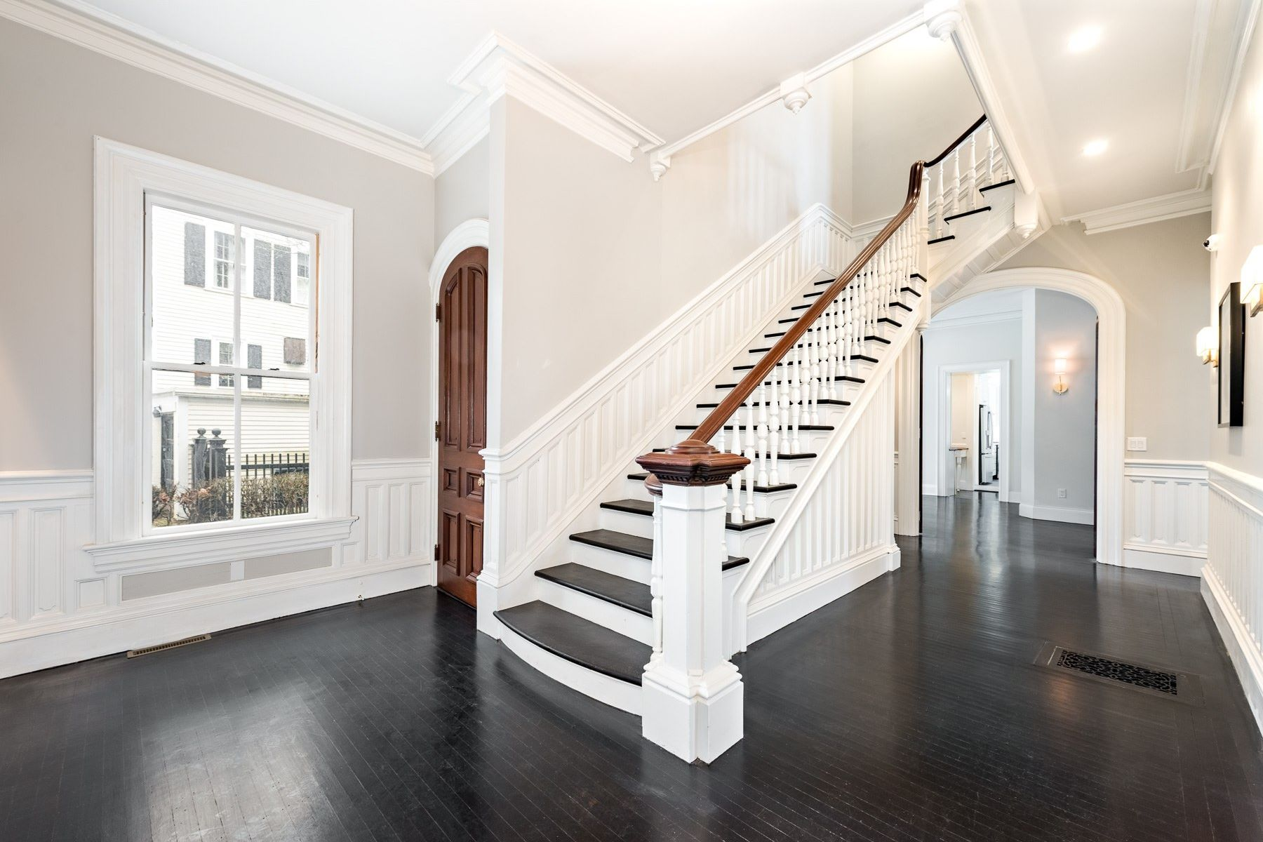Additional photo for property listing at 13 Cushing Street, #1, East Side Of Providence, RI 13 Cushing Street 1 Providence, Rhode Island 02906 United States