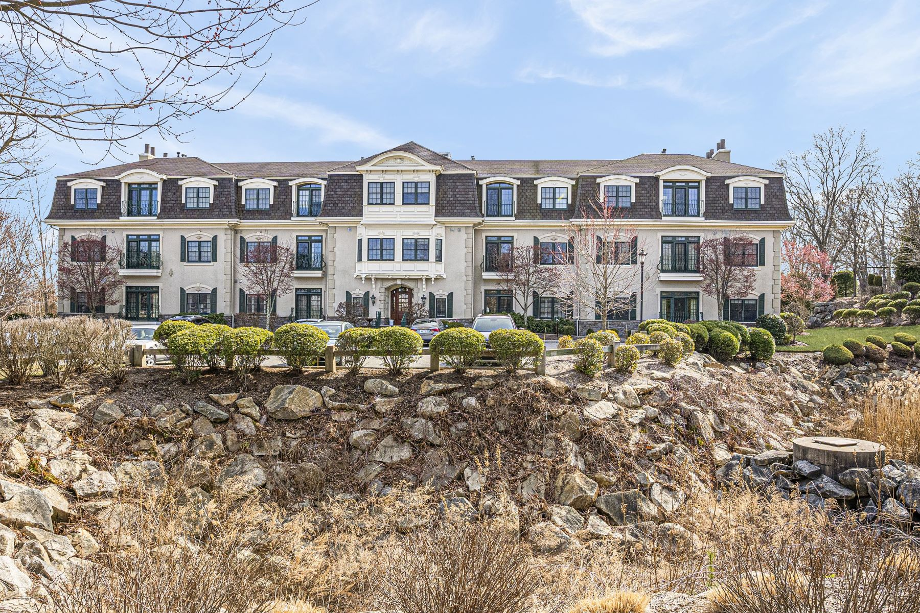 Condominiums for Sale at 1404 South County Trail, #210, East Greenwich, RI 1404 South County Trail, 210 East Greenwich, Rhode Island 02818 United States