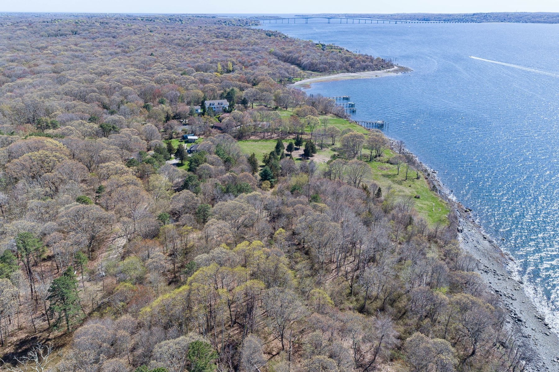 Additional photo for property listing at 1261 North Main Road, Jamestown, RI 1261 North Main Road Jamestown, Rhode Island 02835 United States