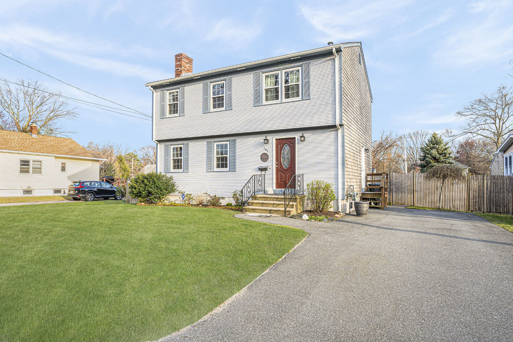 Single Family Homes for Sale at 144 Vernon Street, Warwick, RI 144 Vernon Street Warwick, Rhode Island 02889 United States