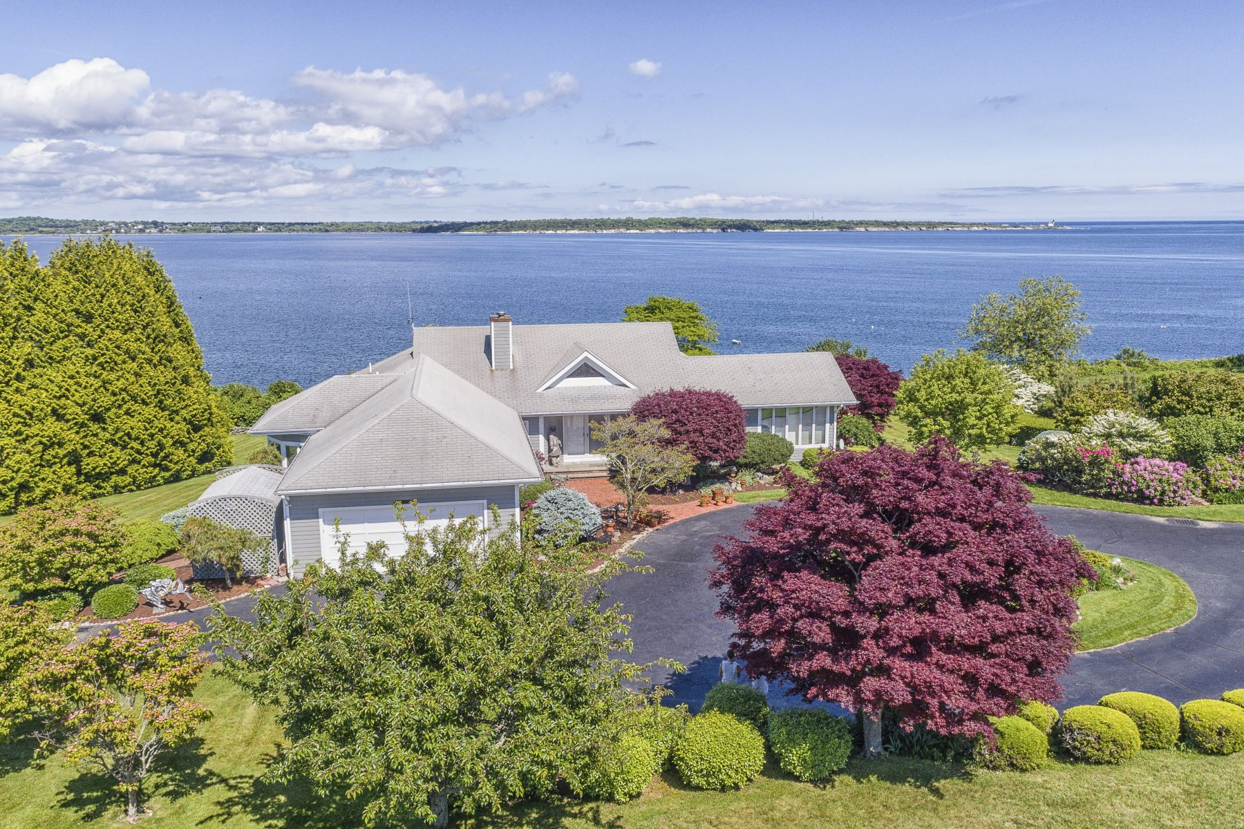 Single Family Homes for Sale at 60 North Cliff Drive, Narragansett, RI Narragansett, Rhode Island 02882 United States