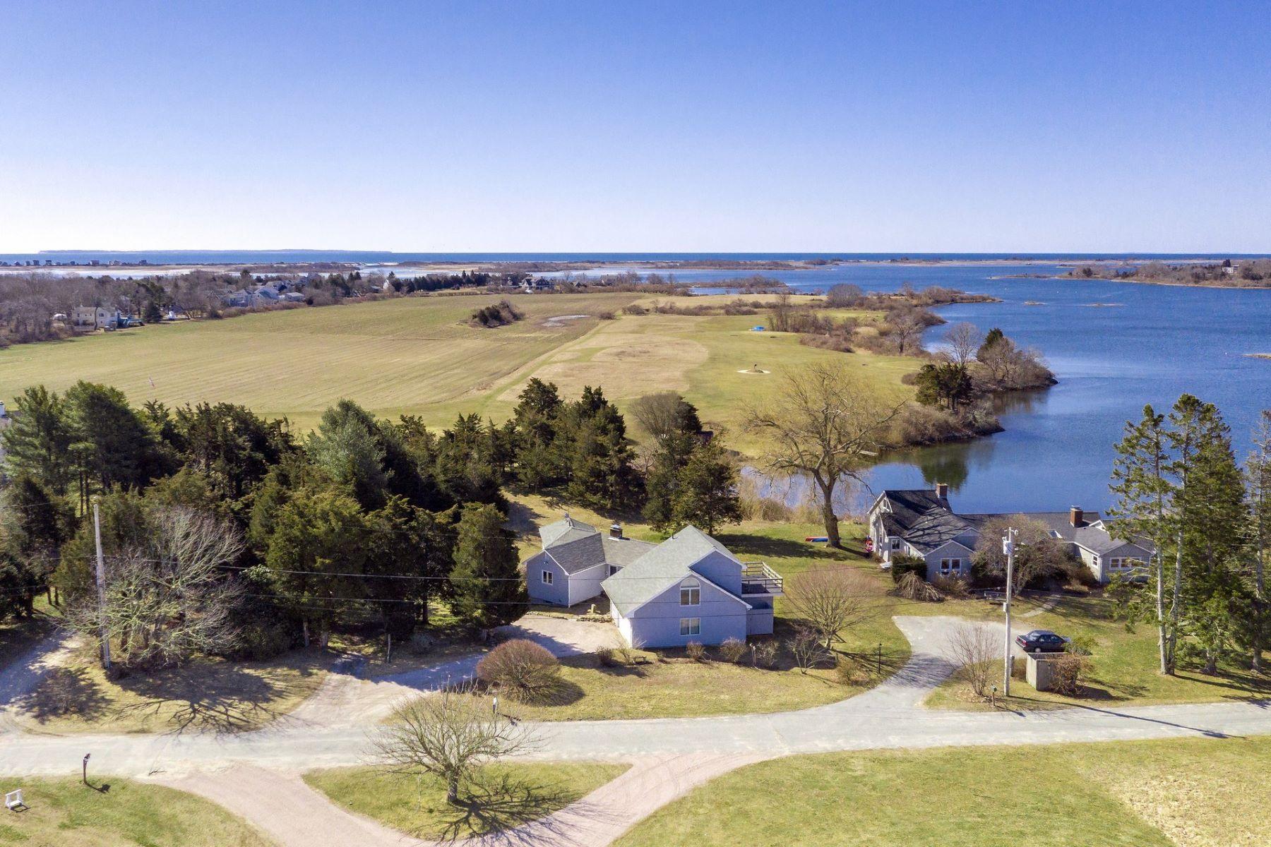 single family homes voor Verkoop op 40 Grays Point Road, Charlestown, RI Charlestown, Rhode Island 02813 Verenigde Staten