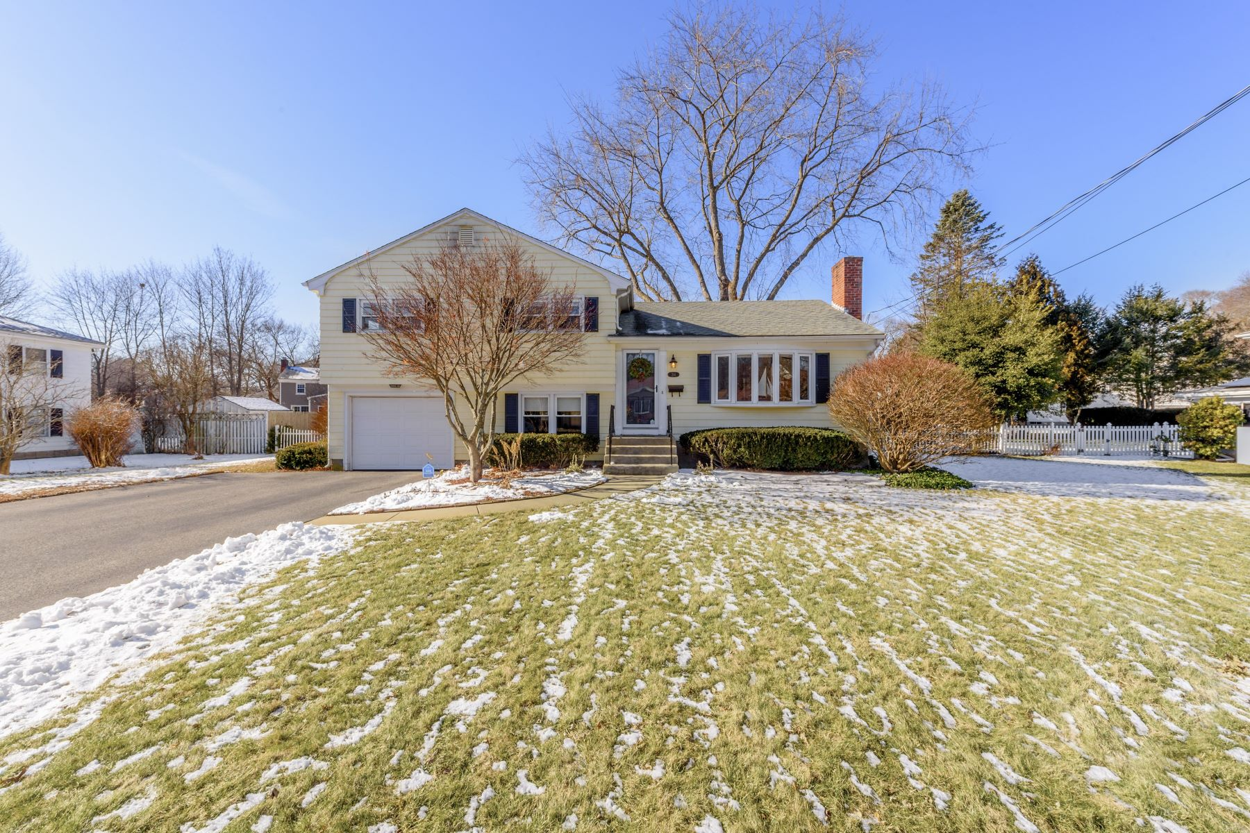 Single Family Homes for Sale at 214 New Meadow Road, Barrington, RI 214 New Meadow Road Barrington, Rhode Island 02806 United States
