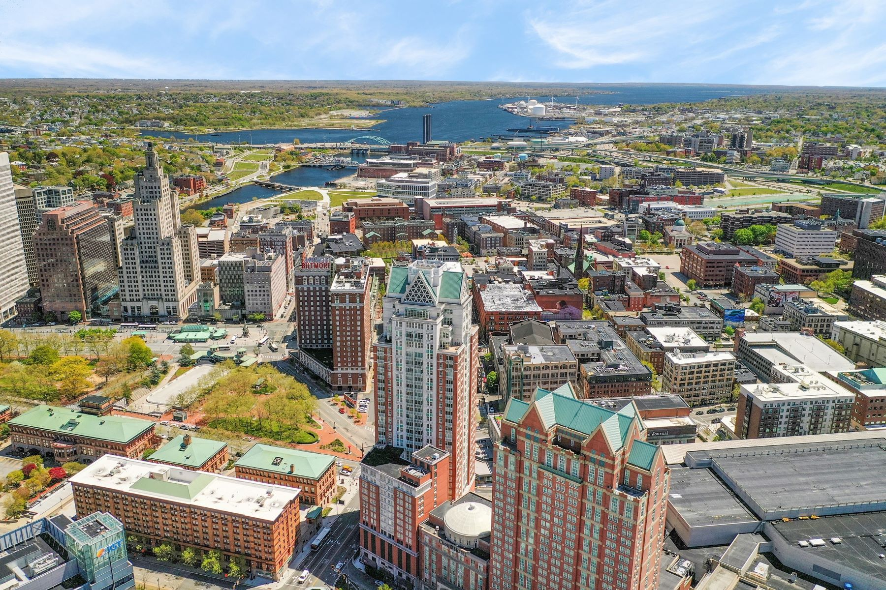 Condominiums for Sale at 1 West Exchange Street, #1807, Providence, RI 1 West Exchange Street 1807 Providence, Rhode Island 02903 United States