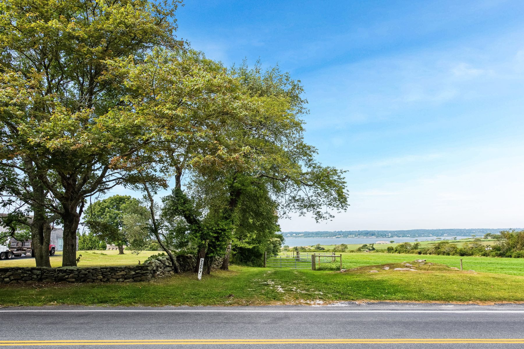 Additional photo for property listing at 226 West Main Road, Little Compton, RI 226 West Main Road Little Compton, Rhode Island 02837 United States