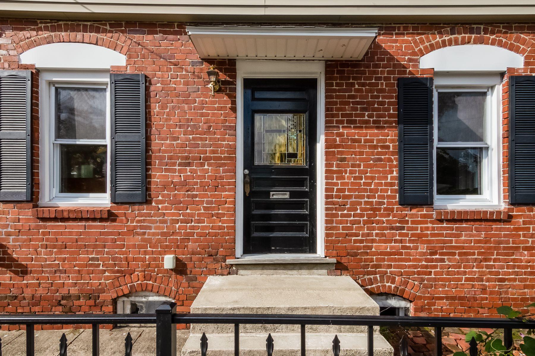 Μονοκατοικία για την Πώληση στο 68 Narragansett Av, East Providence, RI East Providence, Ροουντ Αϊλαντ 02915 Ηνωμένες Πολιτείες