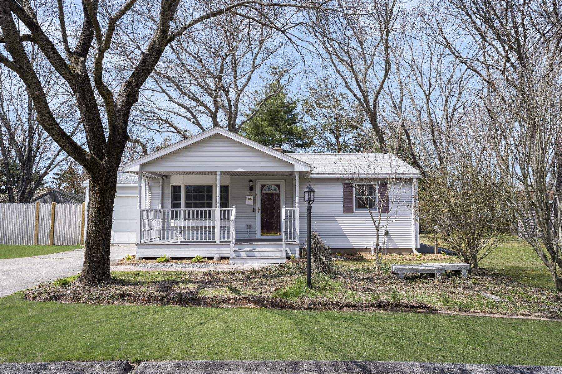 Single Family Homes for Sale at 85 Landis Drive, Warwick, RI 85 Landis Drive Warwick, Rhode Island 02818 United States