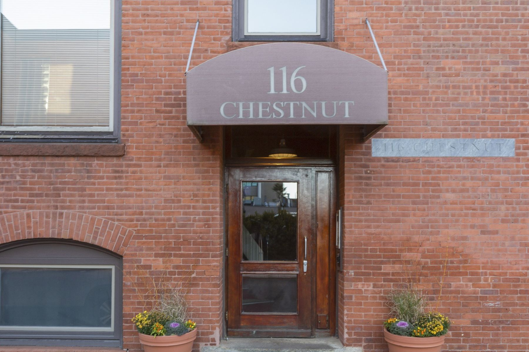 Condominiums for Sale at 116 Chestnut Street, #H, Providence, RI 116 Chestnut Street H Providence, Rhode Island 02903 United States