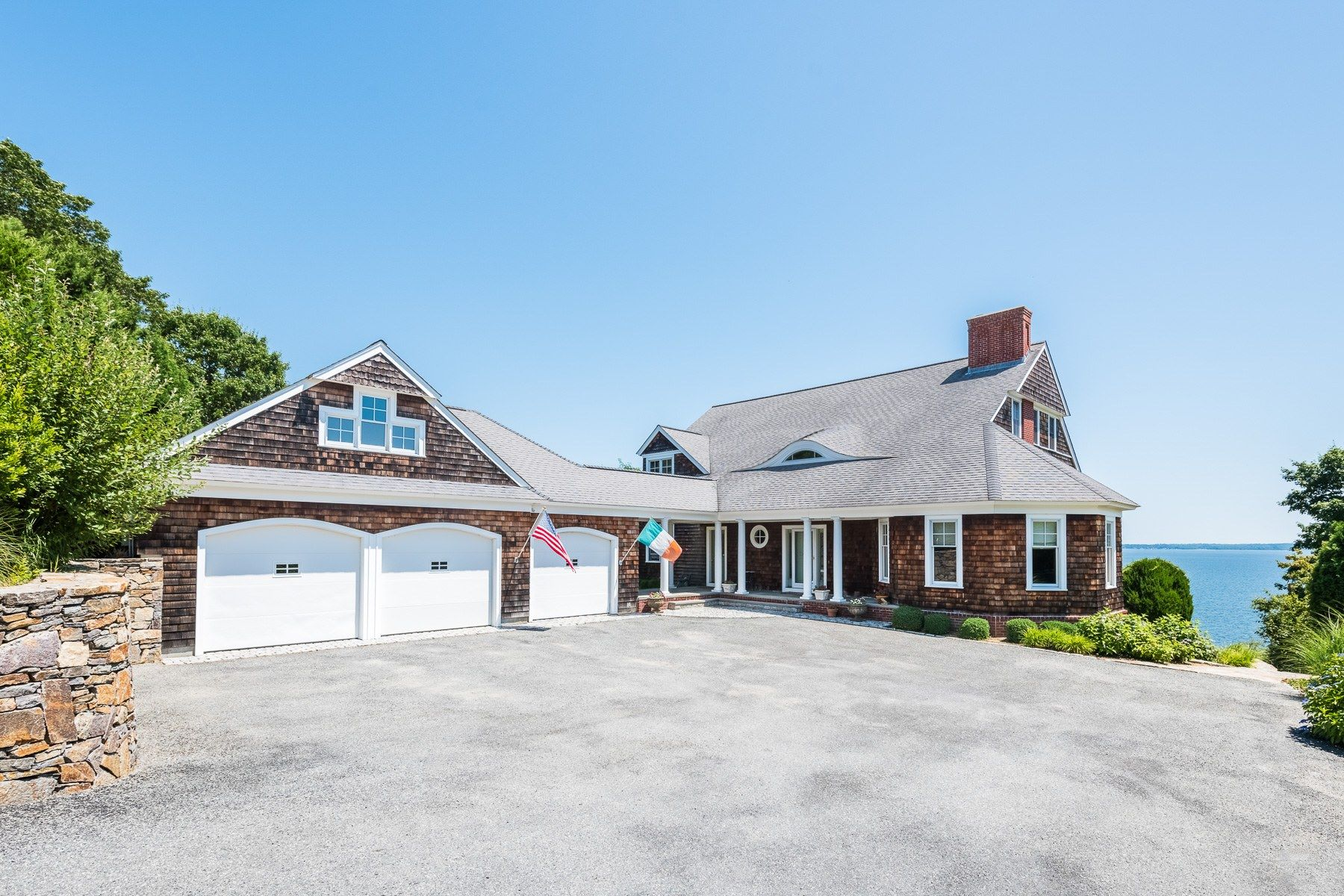 Single Family Homes for Sale at 117 Tea House Ln., Warwick, RI 117 Tea House Ln. Warwick, Rhode Island 02889 United States