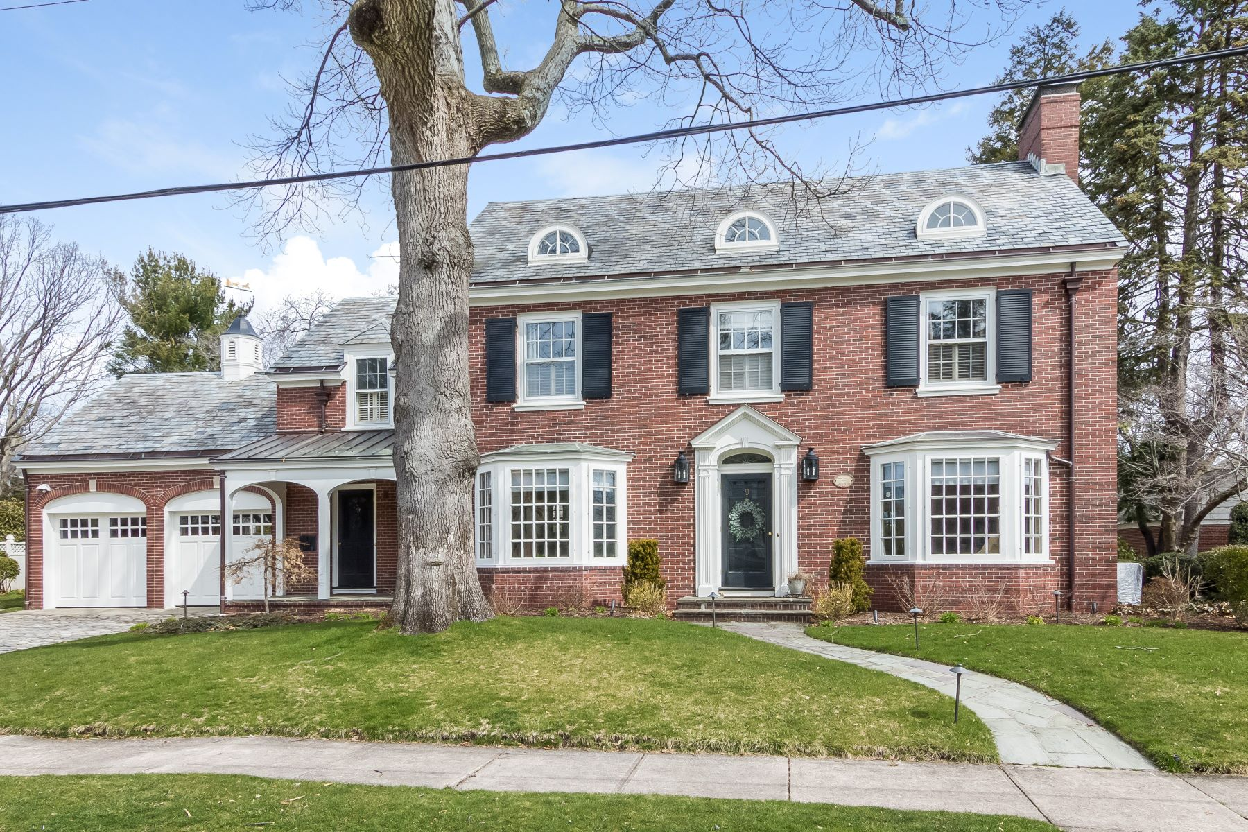 独户住宅 为 销售 在 9 Kenilworth Wy, Pawtucket, RI 9 Kenilworth Wy Pawtucket, 罗得岛 02860 美国