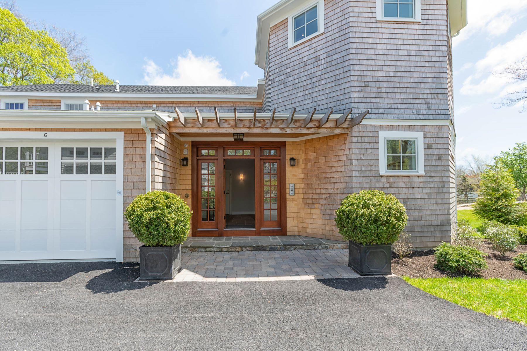 Condominiums por un Venta en 361 Woodruff Avenue, #E, South Kingstown, RI 361 Woodruff Avenue, E South Kingstown, Rhode Island 02879 Estados Unidos
