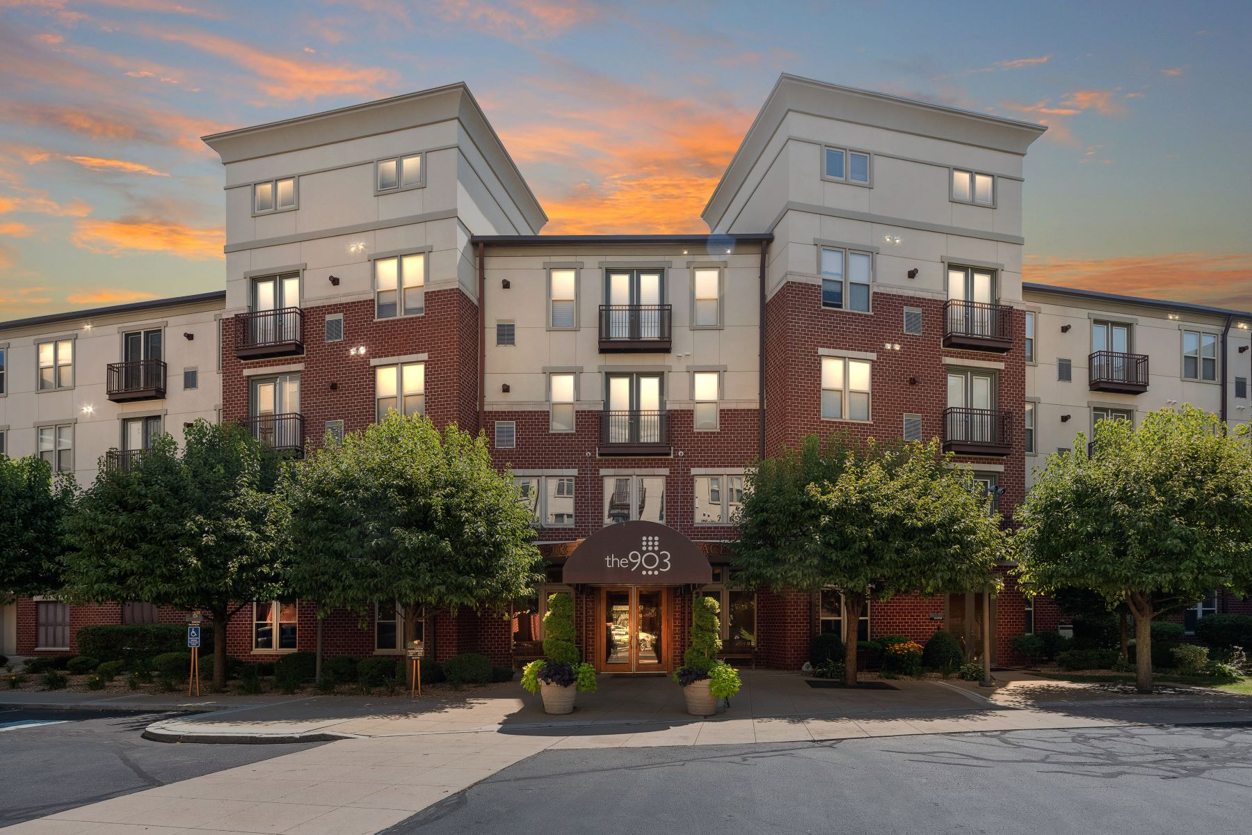 Condominiums for Sale at 1000 Providence Place, #178, Providence, RI 1000 Providence Place 178 Providence, Rhode Island 02903 United States