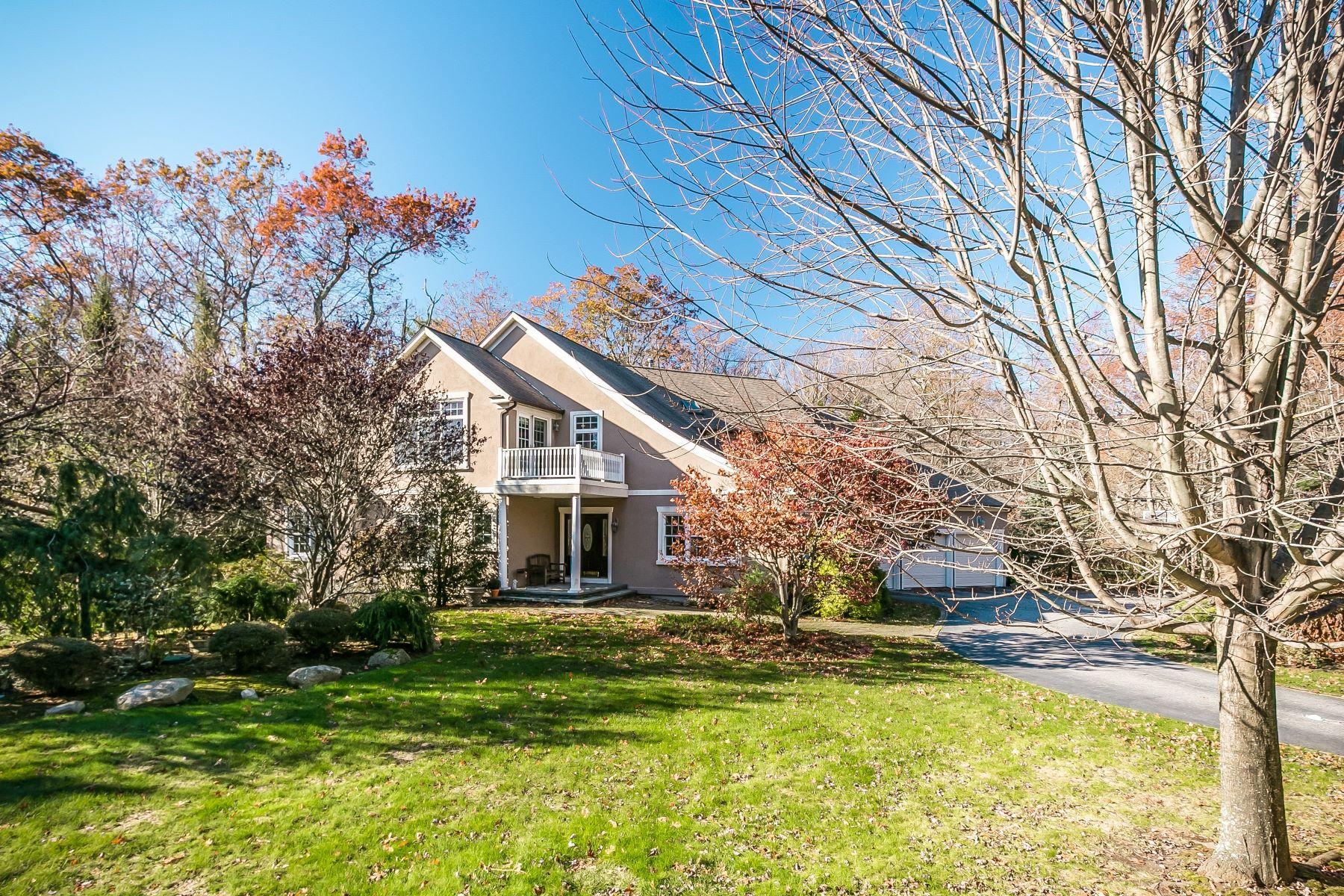Частный односемейный дом для того Продажа на 121 Crest Dr, Cranston, RI Cranston, Род-Айленд, 02921 Соединенные Штаты