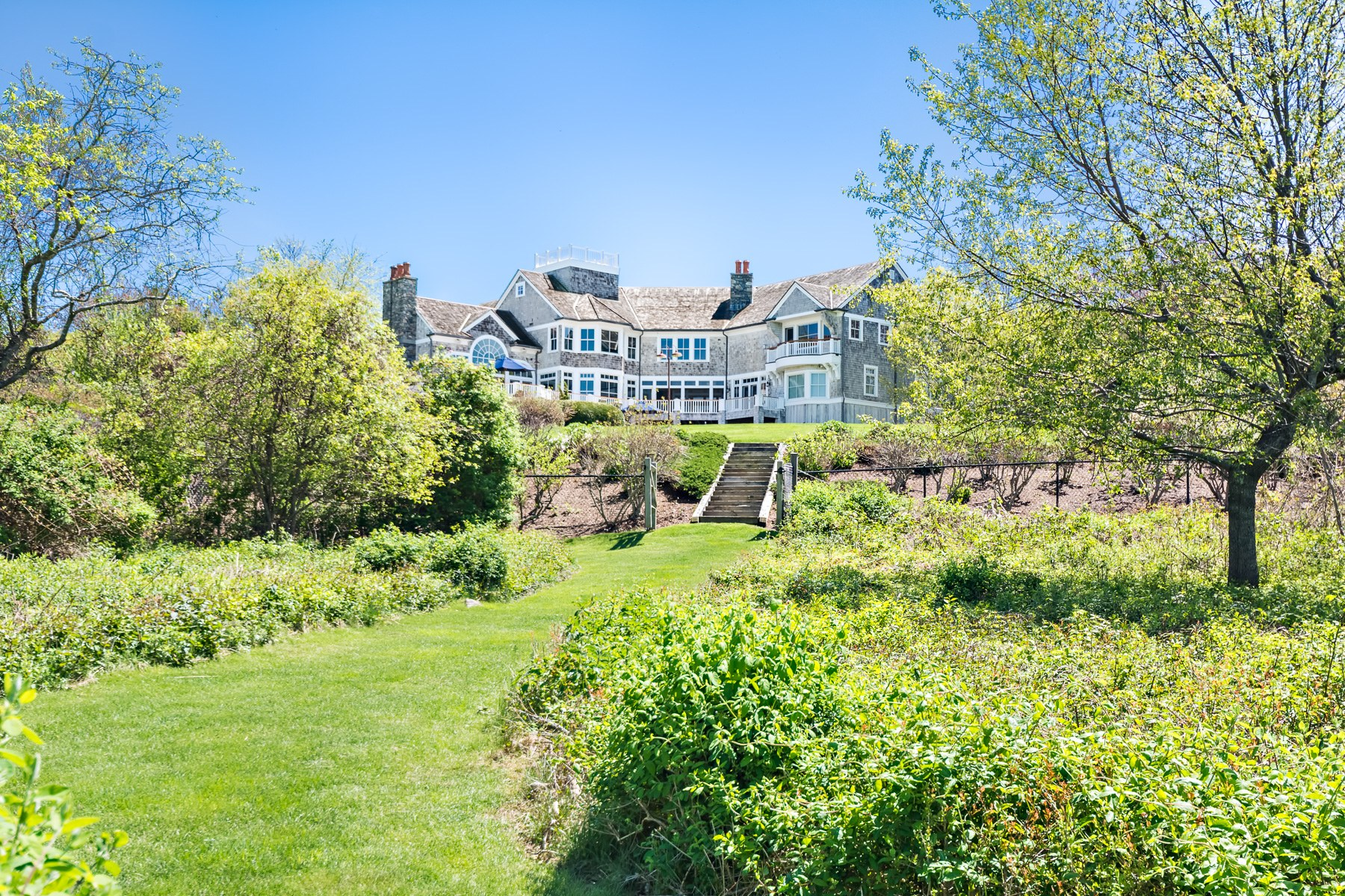 Additional photo for property listing at 90 Battery Lane Jamestown, Rhode Island 02835 United States