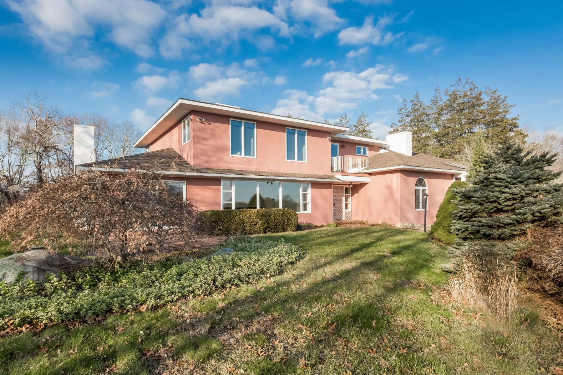 Single Family Home for Sale at Hill Top 325 Post Rd Westerly, Rhode Island 02891 United States