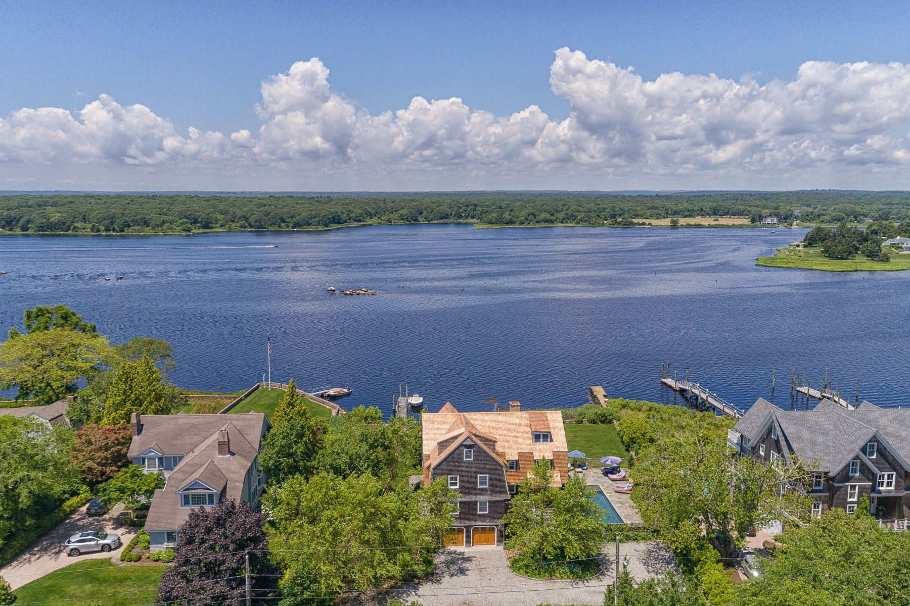 Additional photo for property listing at 31 Pasadena Avenue, Westerly, RI 31 Pasadena Avenue Westerly, Rhode Island 02891 United States