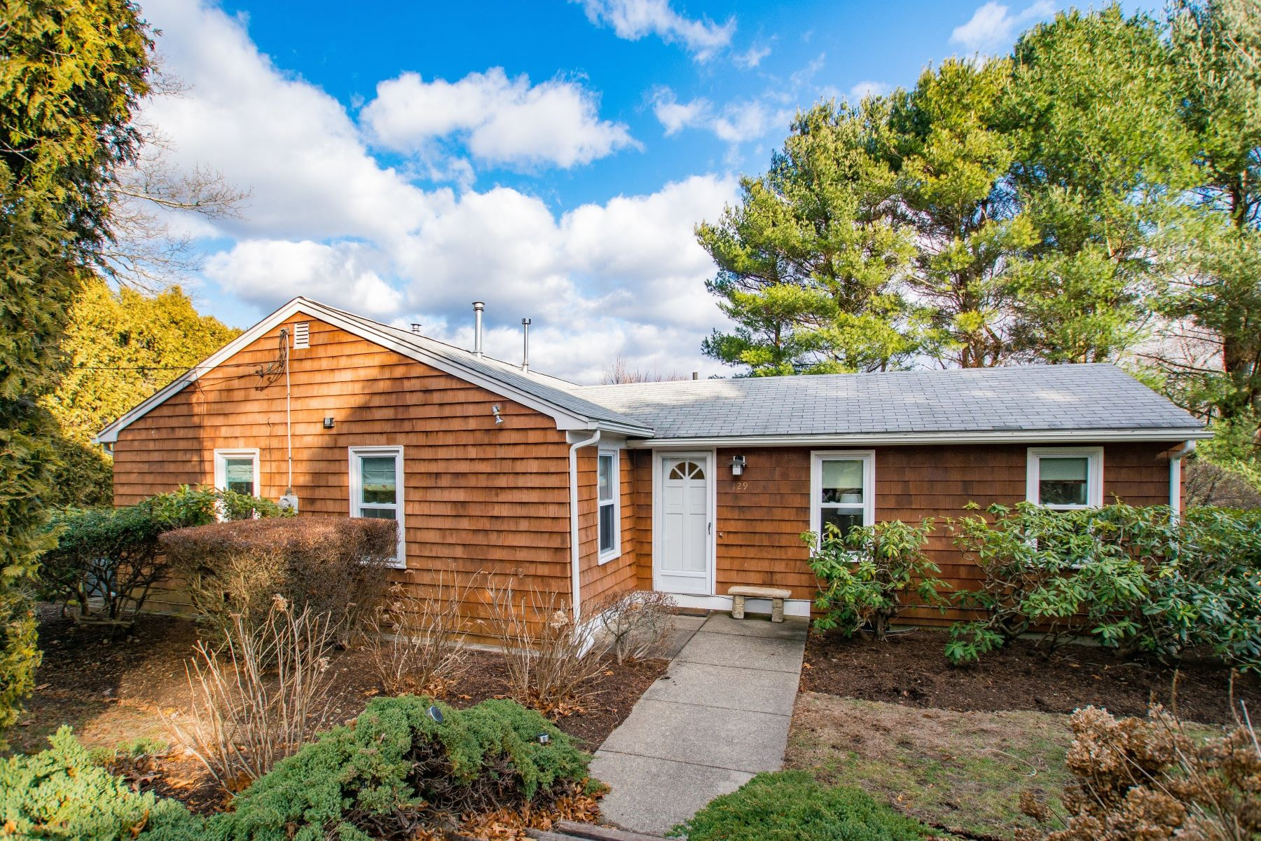 Single Family Homes for Sale at 129 North Road, North Kingstown, RI 129 North Road North Kingstown, Rhode Island 02874 United States