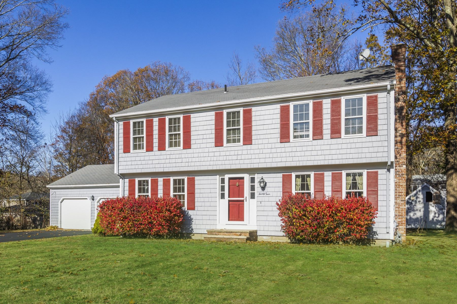 Single Family Homes for Sale at 24 Big Oak Drive, North Kingstown, RI North Kingstown, Rhode Island 02852 United States