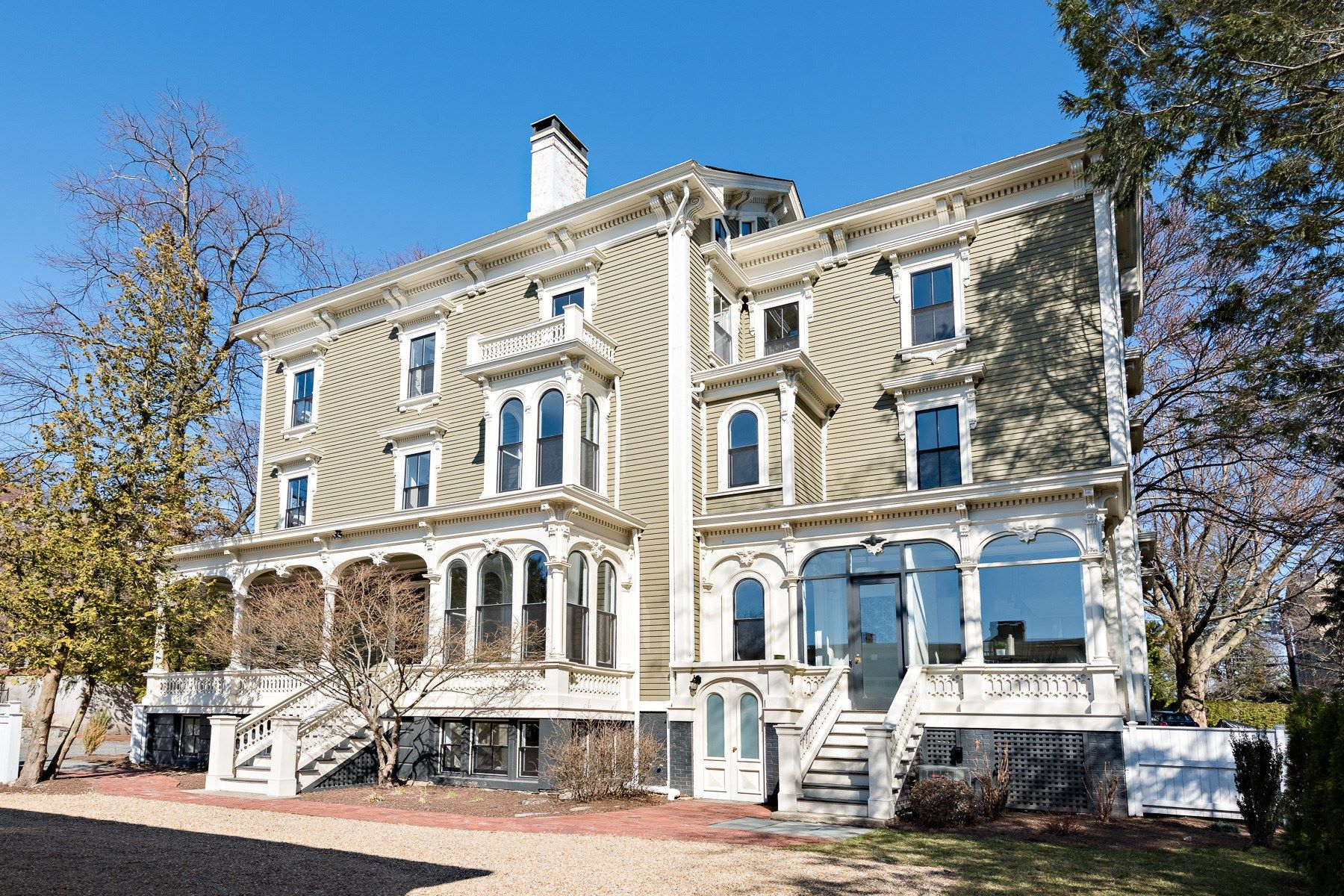 Condominiums for Sale at 13 Cushing Street, #2, East Side Of Providence, RI 13 Cushing Street 2 Providence, Rhode Island 02906 United States