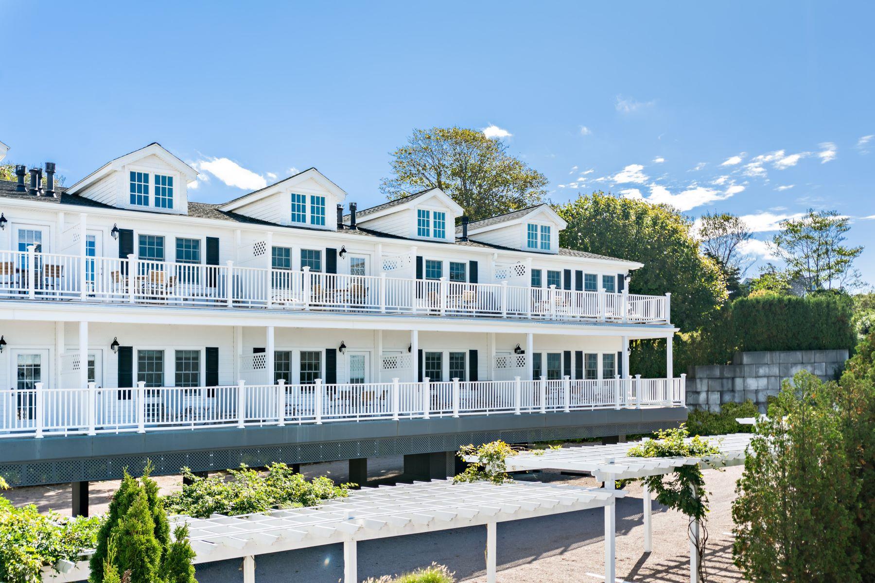Appartement voor Verkoop op 44 Bay St, #B109/209, Westerly, RI 44 Bay St B109/209, Westerly, Rhode Island 02891 Verenigde Staten