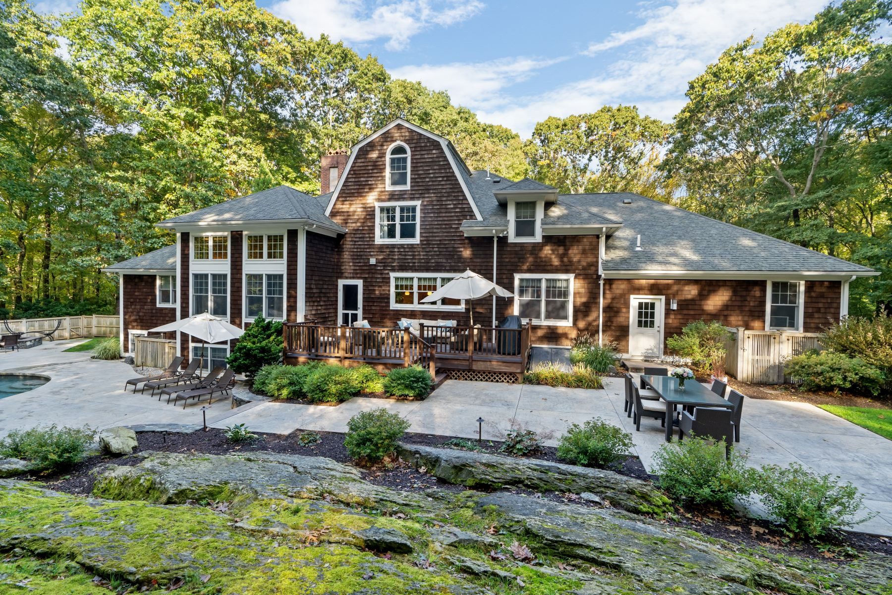 Single Family Homes for Sale at 259 Forge Road, North Kingstown, RI 259 Forge Road North Kingstown, Rhode Island 02852 United States