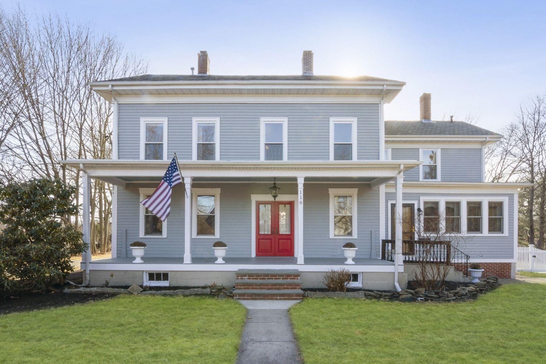 Single Family Homes 为 销售 在 118 Sixth Avenue, East Greenwich, RI 东格林威治, 罗得岛 02818 美国