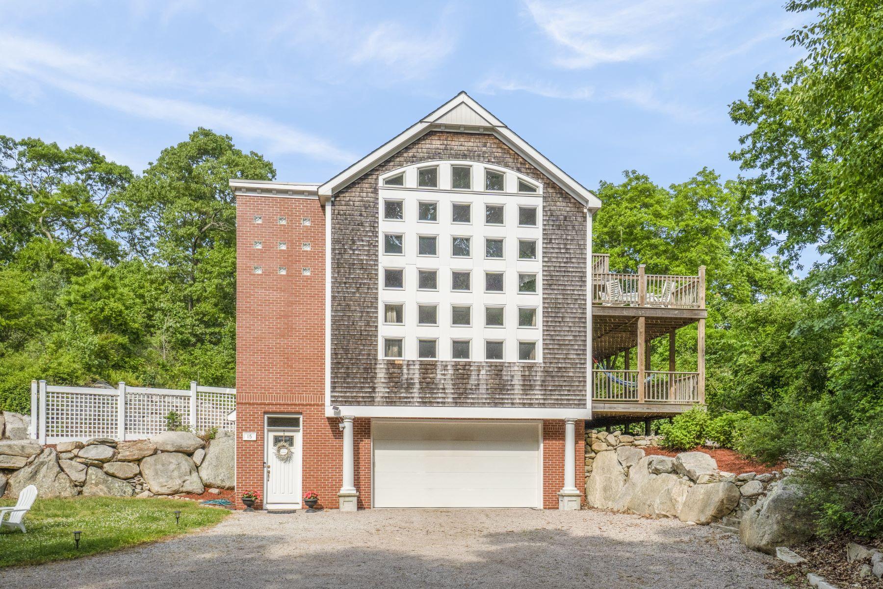 Single Family Homes per Vendita alle ore 15 East Woody Hill Road, Westerly, RI Westerly, Rhode Island 02891 Stati Uniti
