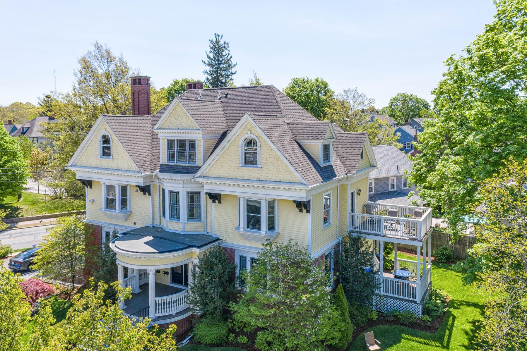 Multi-Family Homes 為 出售 在 75 Orchard Avenue, East Side Of Providence, RI Providence, 羅德島 02906 美國