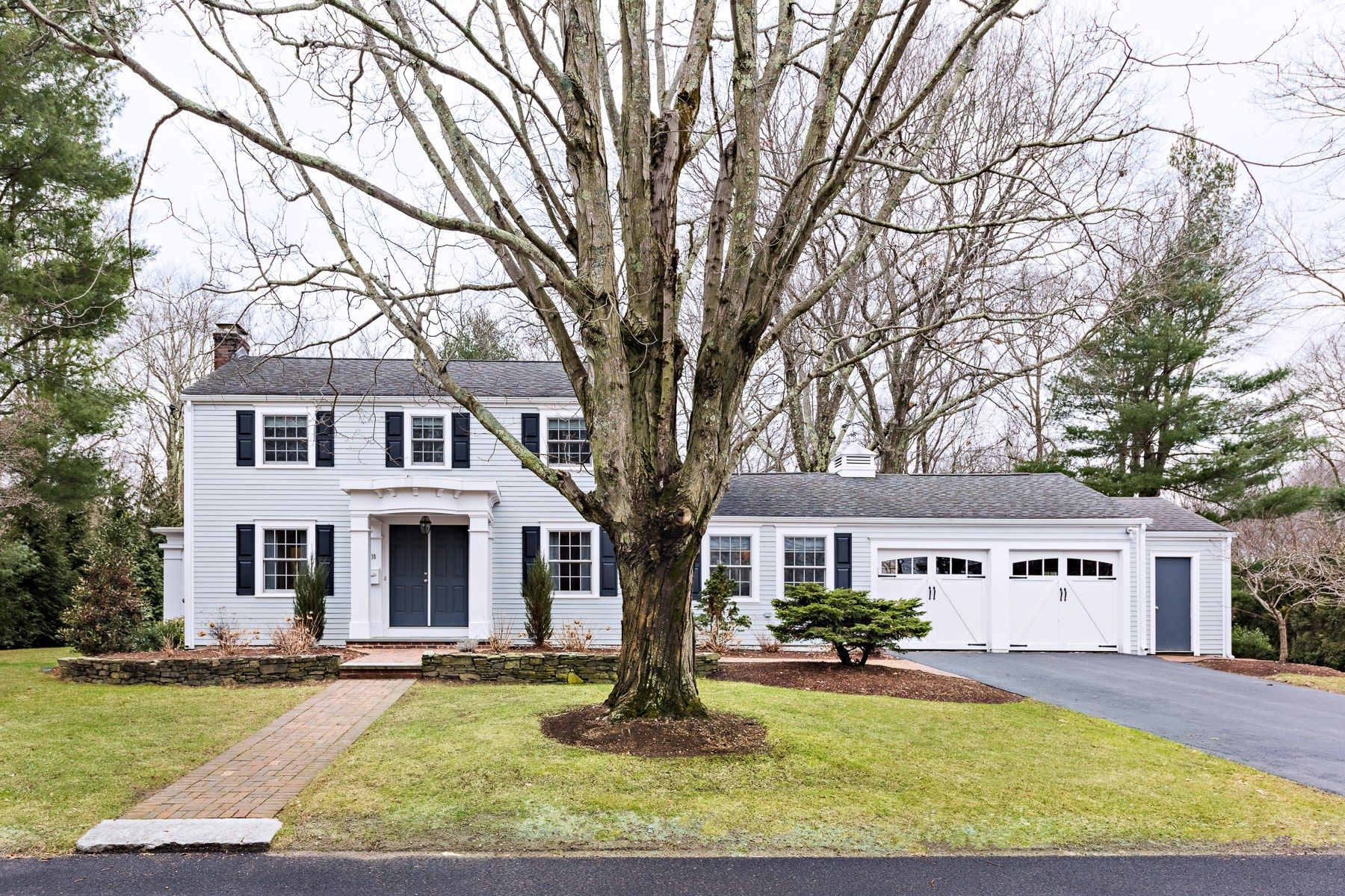 Single Family Home for Sale at 10 Glenfield Rd, Barrington, RI 10 Glenfield Rd Barrington, Rhode Island 02806 United States