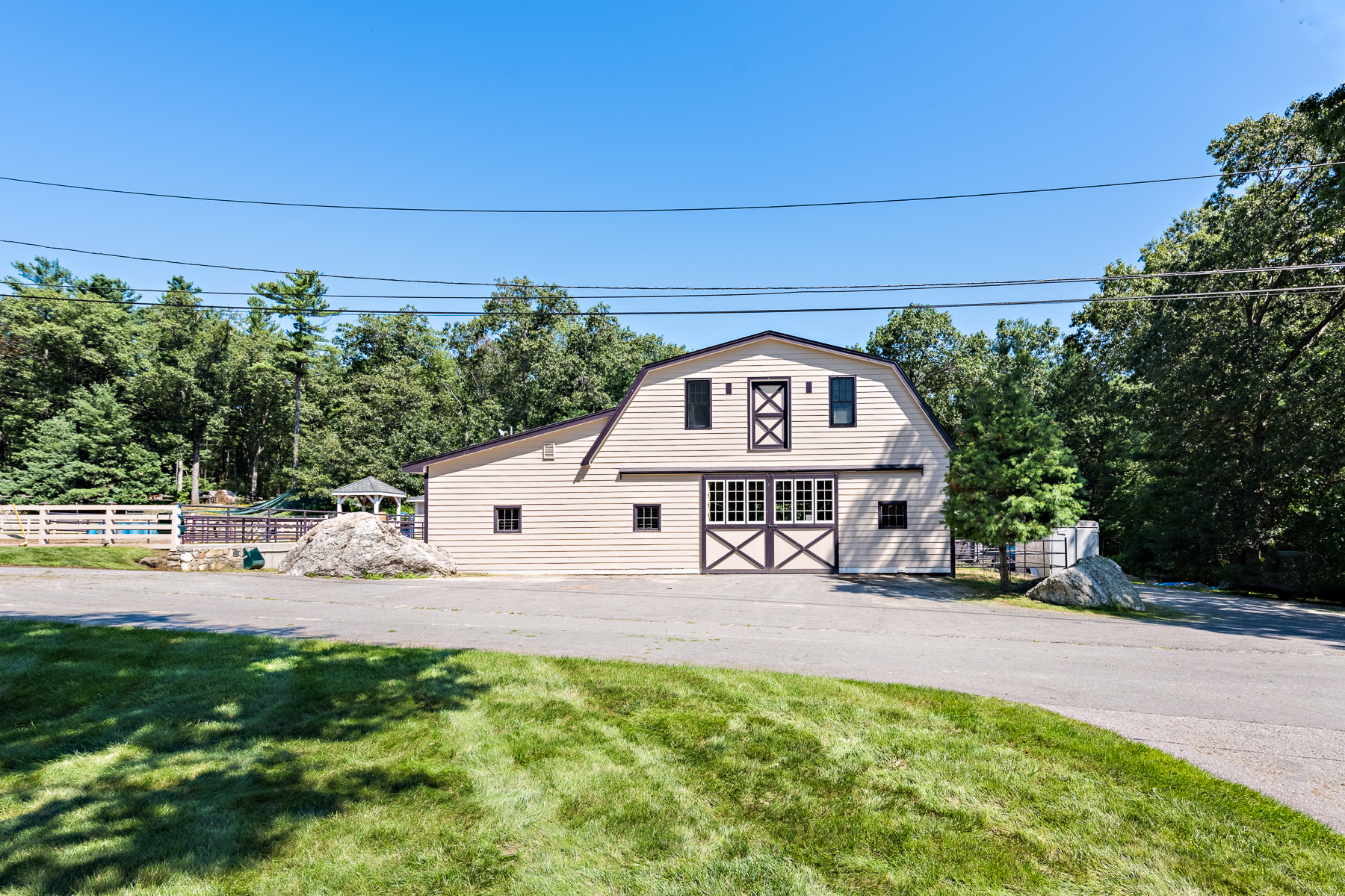 Additional photo for property listing at 47 Hudson Road, Bolton, MA 47 Hudson Road Bolton, 매사추세츠 01740 미국