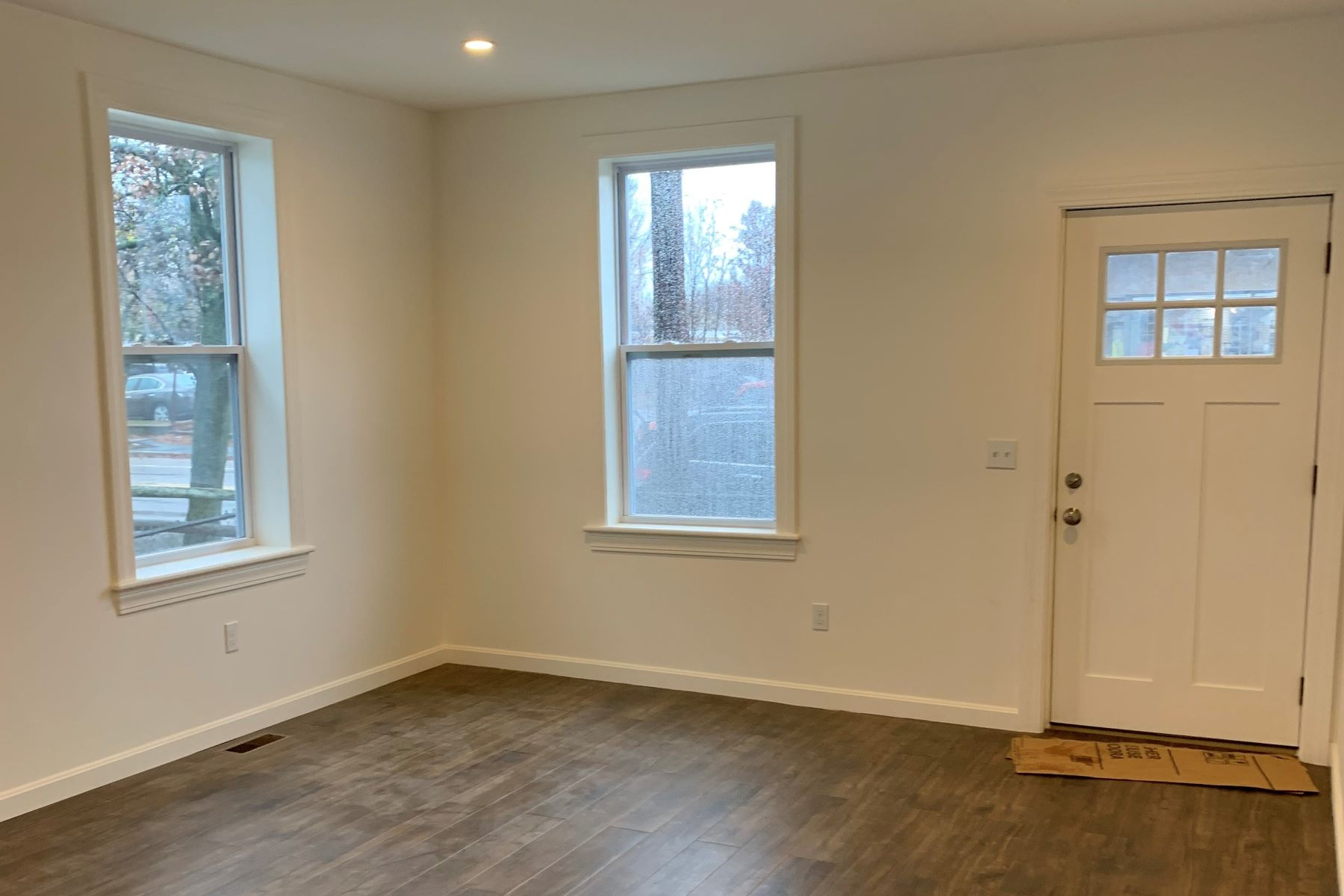 for Rent at 415 Warren Avenue, East Providence, RI 415 Warren Avenue East Providence, Rhode Island 02914 United States