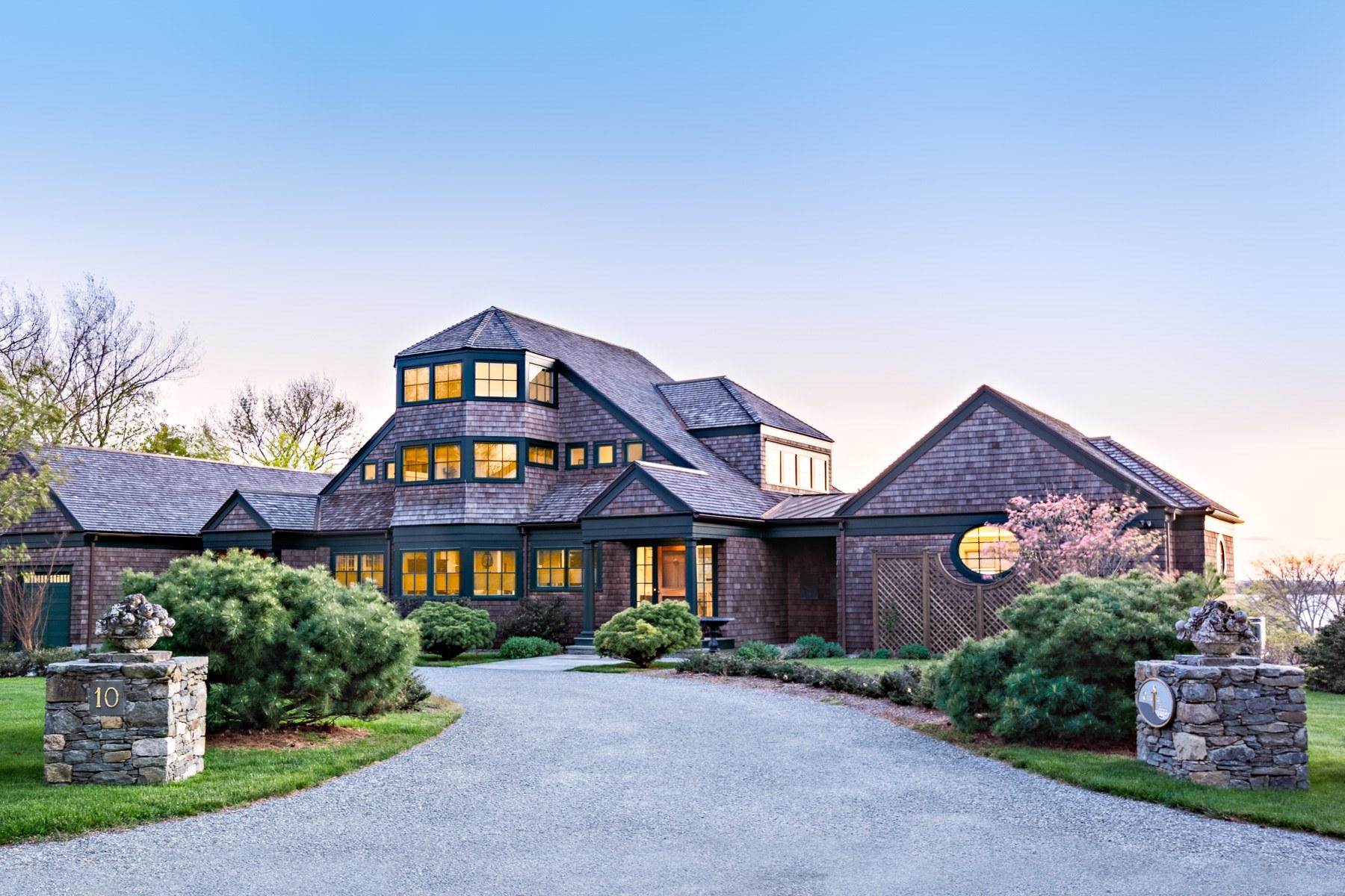 Single Family Homes 为 销售 在 10 Courageous Circle, Bristol, RI 10 Courageous Circle 布里斯托尔, 罗得岛 02809 美国