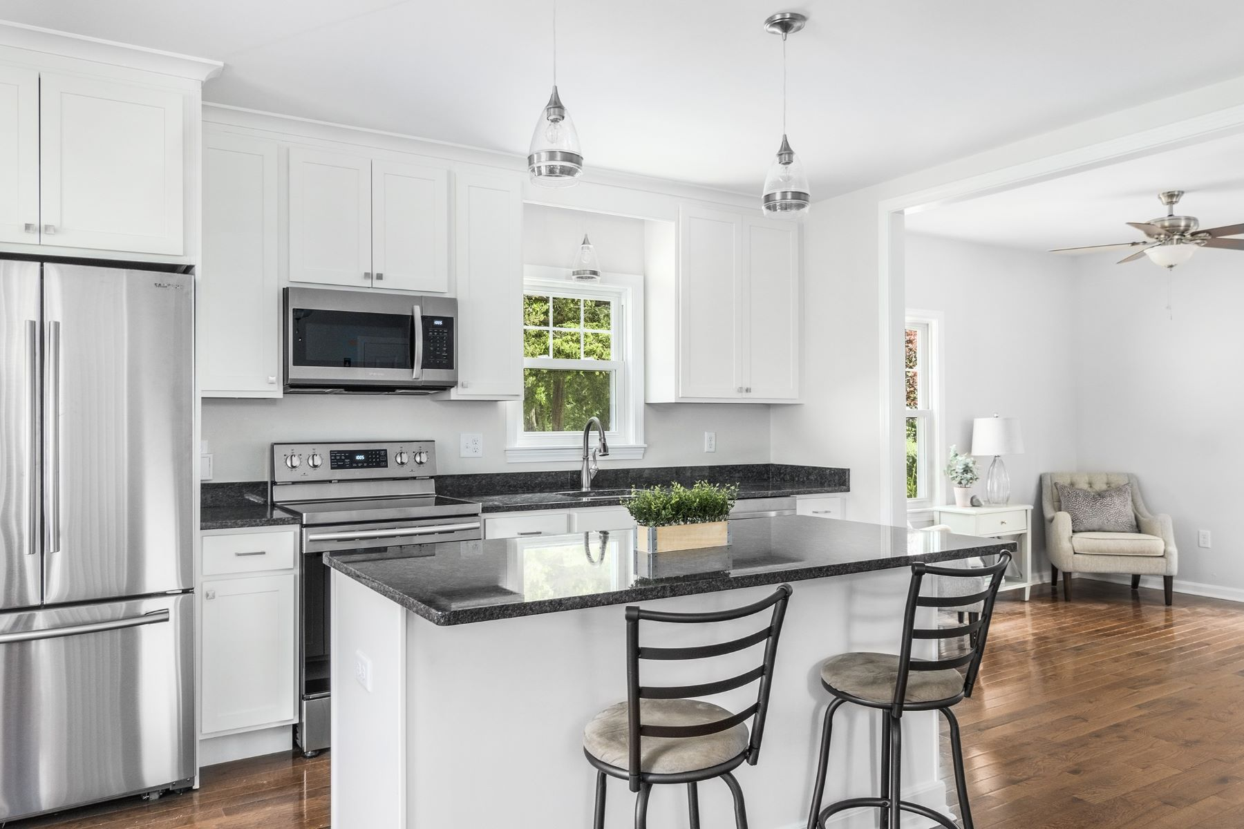Single Family Homes 为 销售 在 39 Long Lane 沃伦, 罗得岛 02885 美国